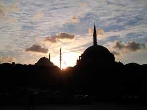 Puesta del Sol sobre suleymaniye